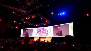 Prof Venganti speaking at Oracle Modern Business Experience